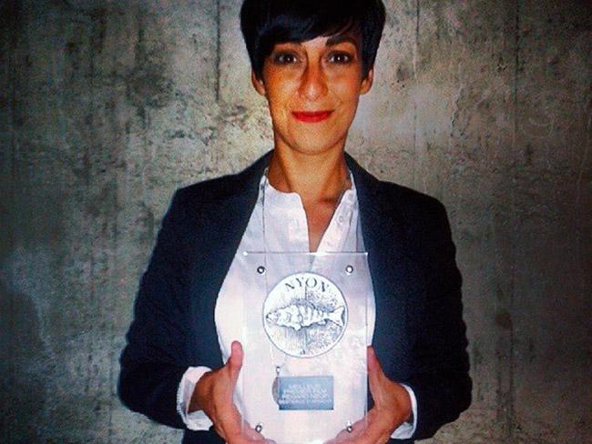 La directora Arami Ullón triunfante en Basilea, Suiza.