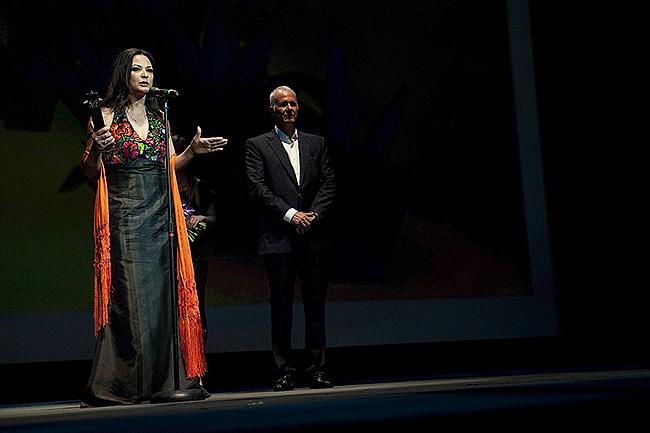 Elpidia Carrillo - Premio Maguey