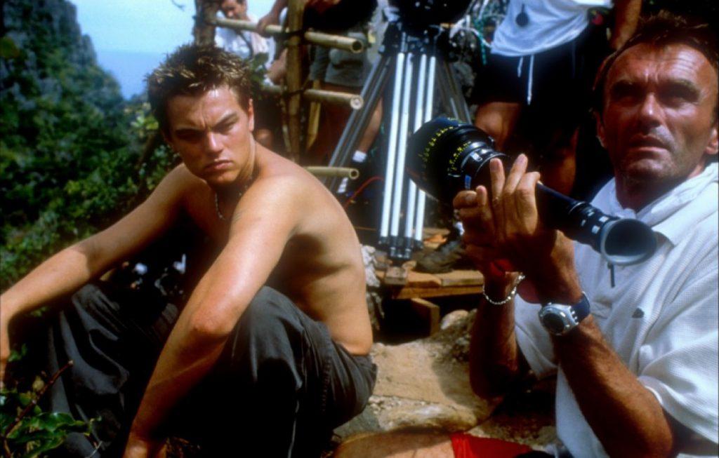 """El director británico dirige a Leonardo Di Caprio en """"La playa""""."""