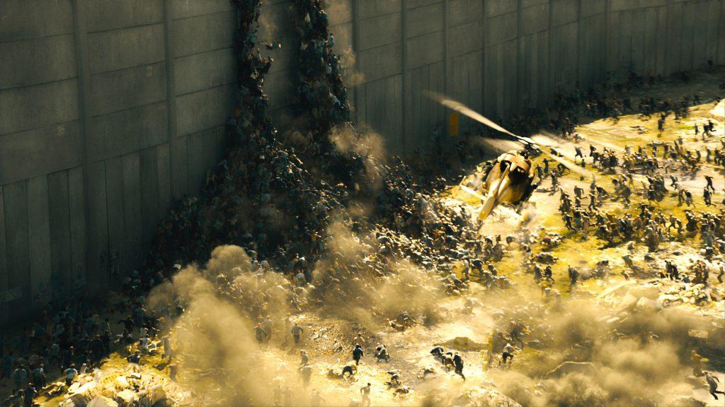 """""""Guerra mundial Z"""": los zombis se apilan en lo alto de la muralla en Jerusalén."""