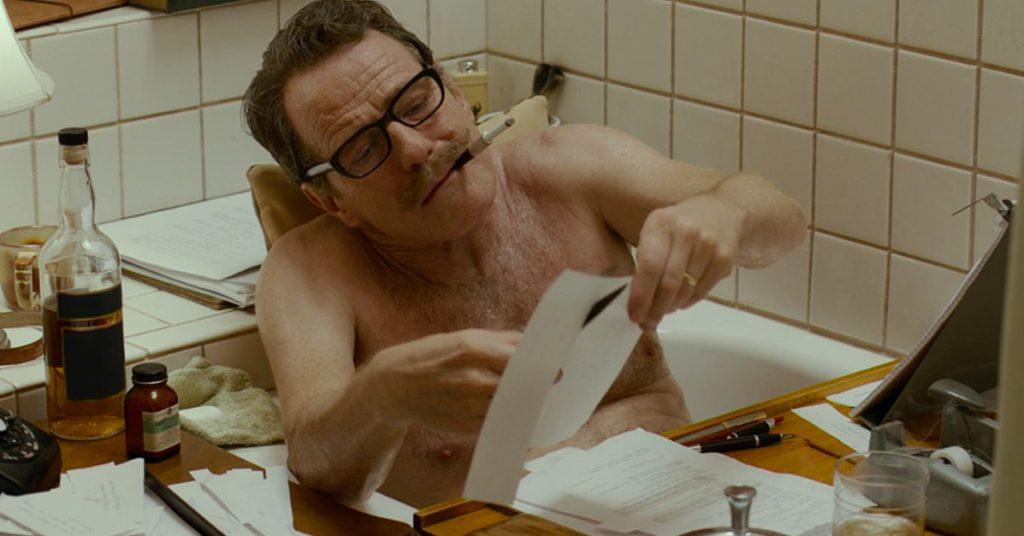 Bryan Cranston como Dalton Trumbo.