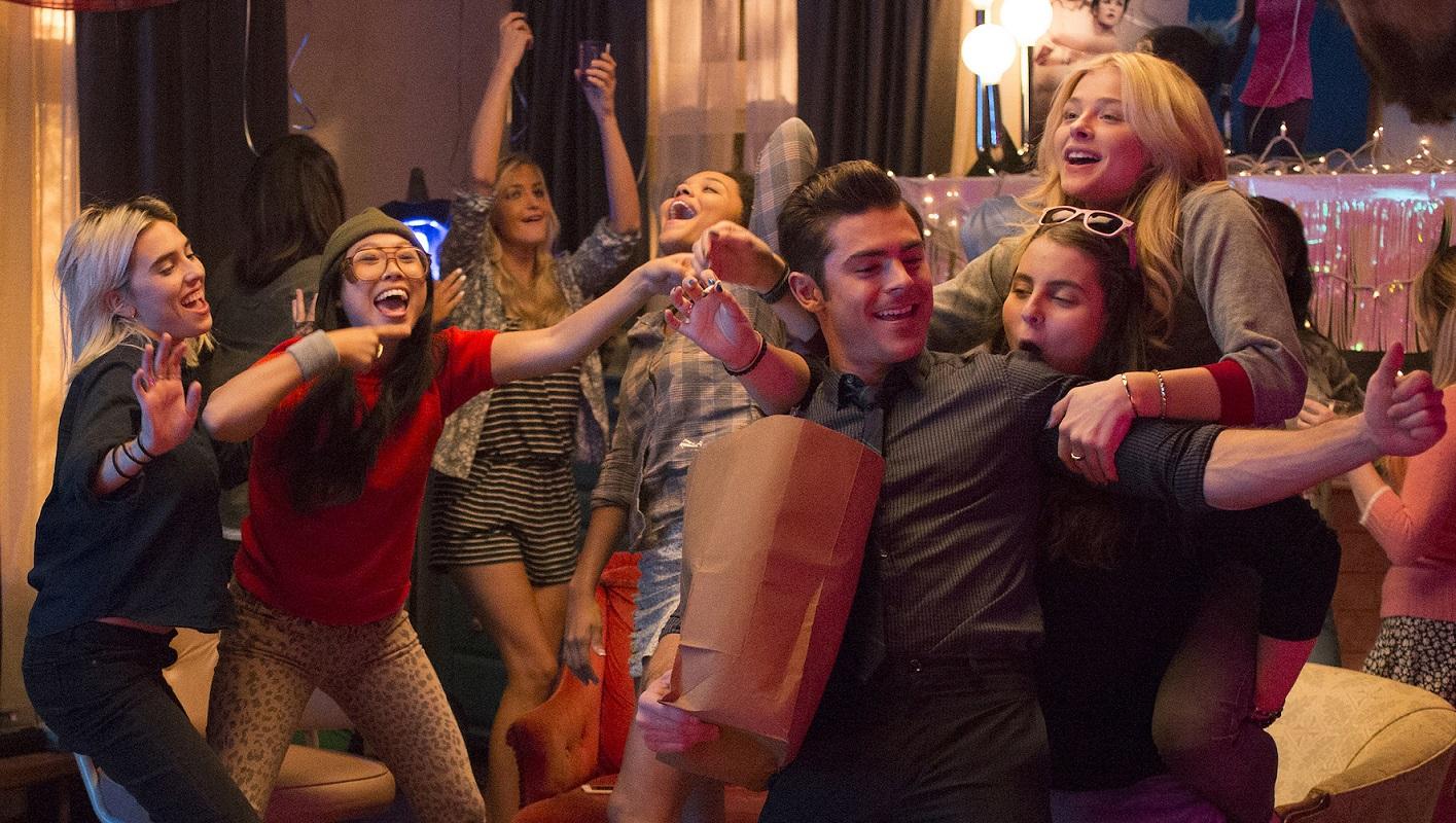 Zac Efron y las chicas que solo quieren divertirse.