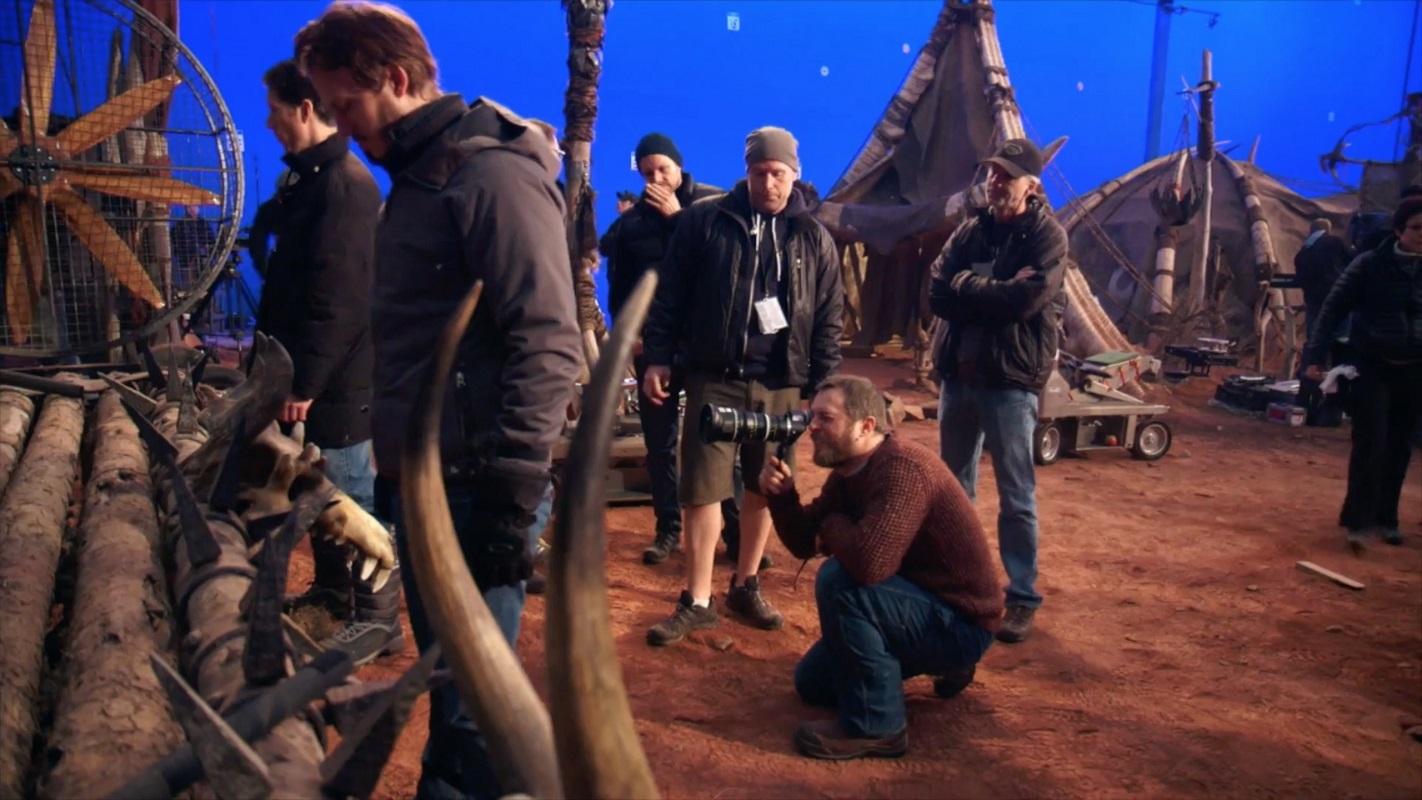 El director Duncan Jones en pleno rodaje