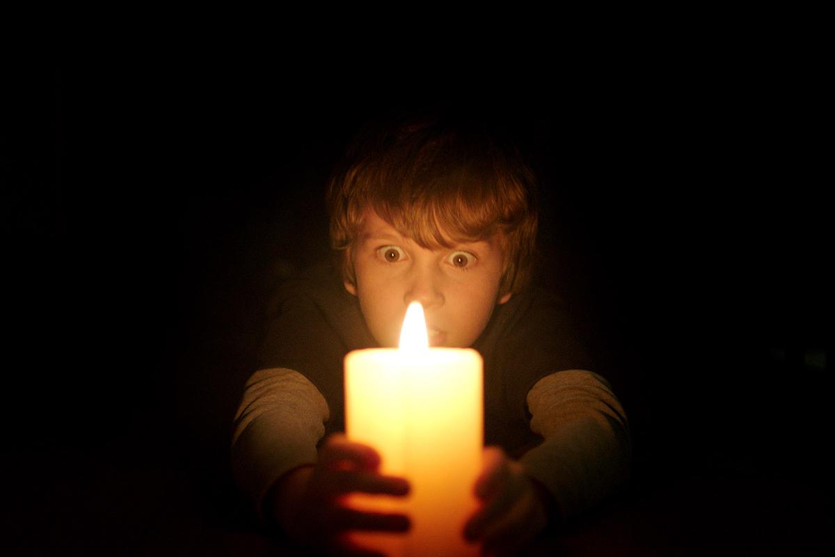 """""""Cuando las luces se apagan"""": el monstruo que habita en la oscuridad"""