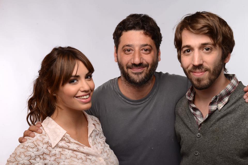 Lali Espósito y Martín Piroyansky junto al director Ariel Winograd