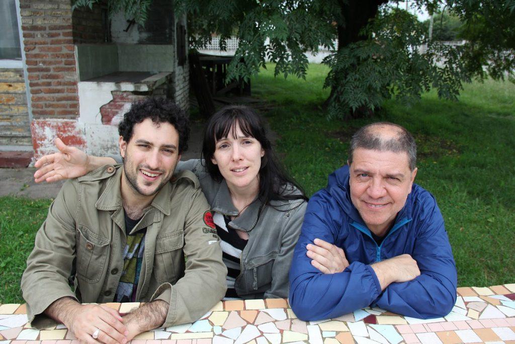 Un equipo de tres: Santiago Podestá, productor ejecutivo, Carballo y Garassino.